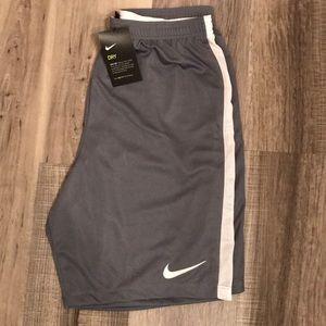 🆕 Men's Nike Basketball Shorts NWT